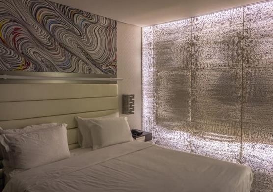 近年欧洲几家公司开发了一种装饰混凝土制品—— 透光